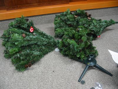 christmastreepre1.jpg