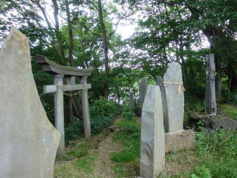 無くなった神社と石碑