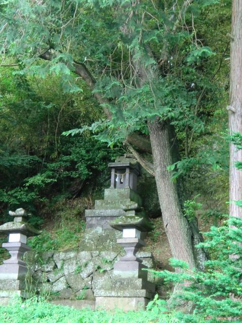 はなずらさん横の神社