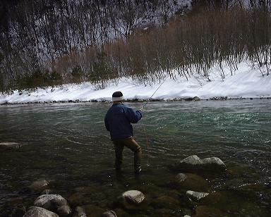 早春の川(2000年)