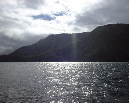 近所の湖(2003年)