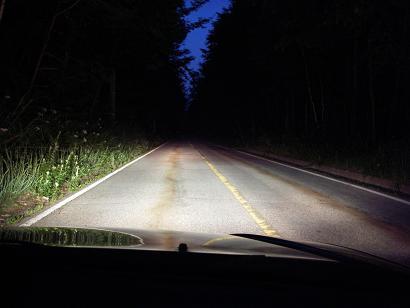 夕暮れの峠道