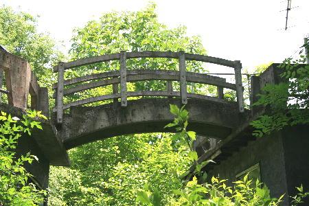 横断歩道橋