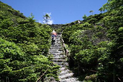 階段のような場所