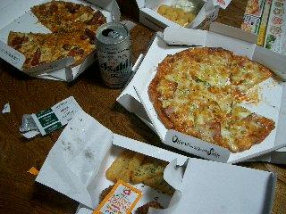 宅配ピザで、乾杯~♪