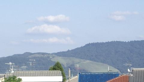 三笠山(若草山)に三段の雲