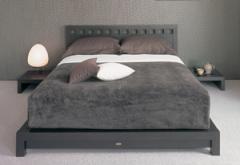 ベッド(オルニー)