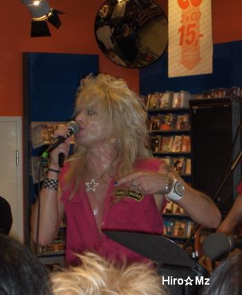 Hanoi Rocks  インストアライブ