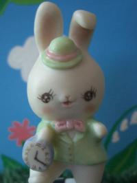 緑ウサギ2