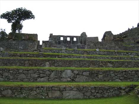 三つの窓の神殿1