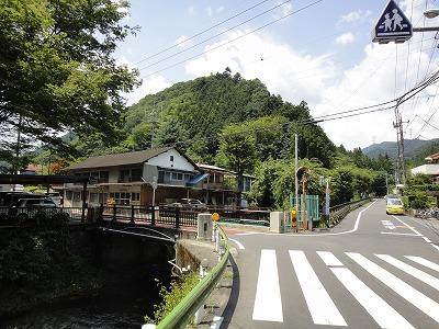 陣馬街道 和田峠 から 大垂水峠 ...