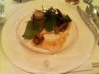 数種類のフランス産のキノコのマリネ しっとりチキンムース添え
