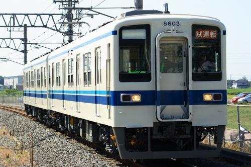 初期車の検査入場(板倉東洋大前駅にて)