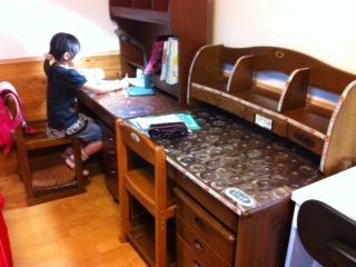 min_desk.jpg