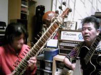 菅井氏のシタールとギターのセッション
