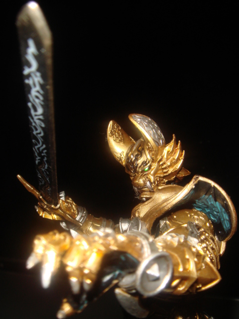 黄金の魔戒騎士