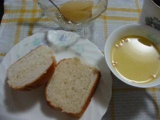 コーンスープとミルクパン