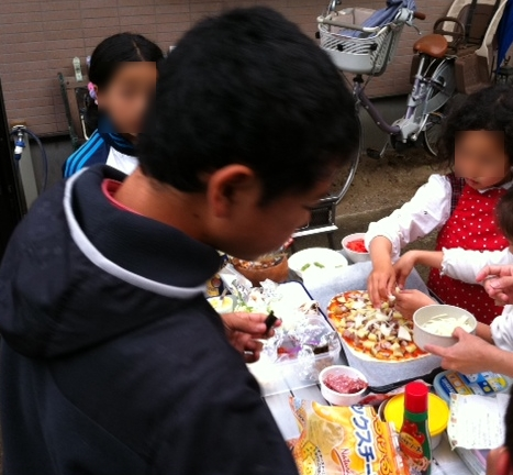 pizzamaking.jpg