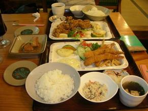 から揚げ定食とラフテー