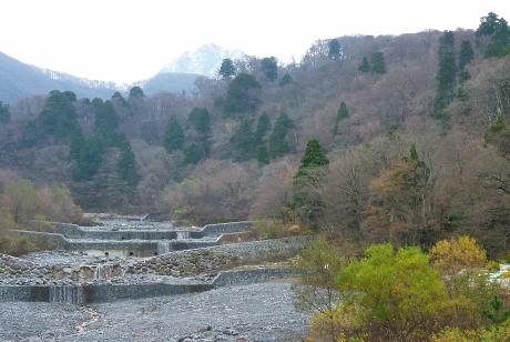 大山寺橋から見た三鈷峰
