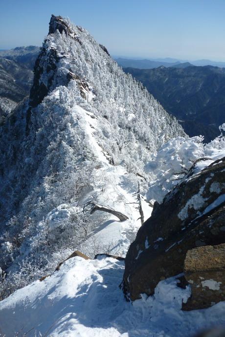 天狗岳への降り口