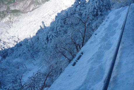 下山時の階段