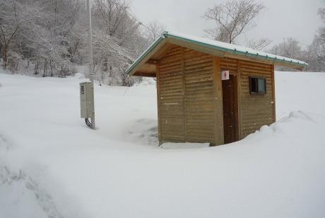 登山口のトイレ