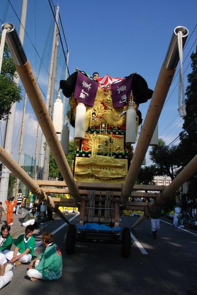 07'新居浜市制70周年記念統一かき比べ 市民球場前にて