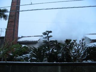 釜場から噴上げる蒸気