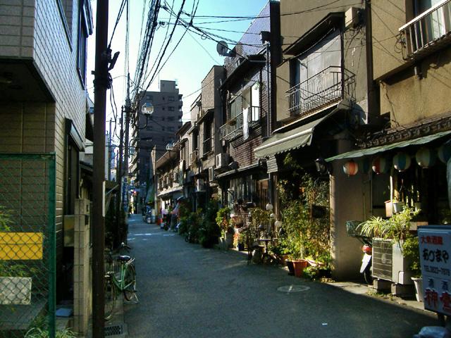 nezu_street.jpg