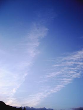 Les nuages passent.