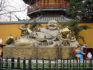 龍華寺前の仏像