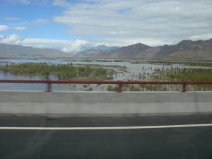 ヤルツァンポ川にかかる橋で