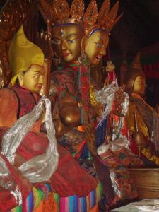 黄金の仏像たち