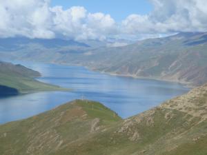 ヤムドゥク湖