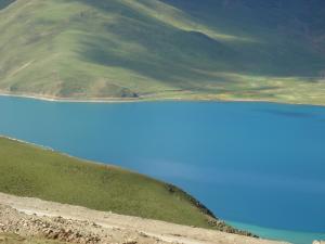 湖の青さ2