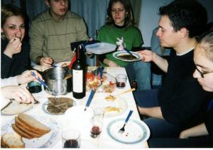 パーティーの食事風景