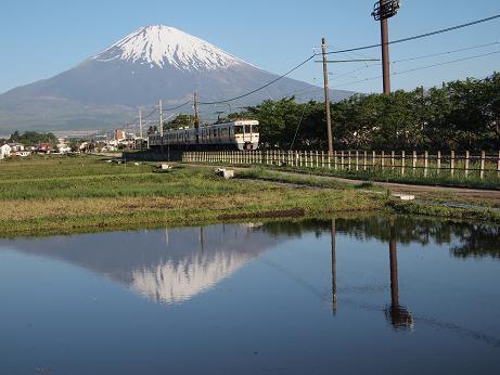 富士山と電車