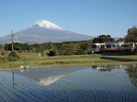 富士山と電車 2