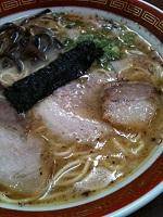07クリームシチュー上田さん行きつけの熊本大黒ラーメン 焦がしにんにくの超こってり