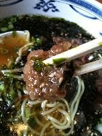 05鹿児島枕崎のカツオラーメン カツオでだしを取ったスープにカツオの揚げたのと岩のり