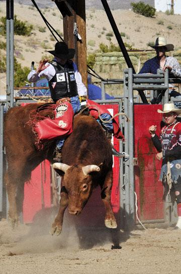 blog Bull Riding, Duncan Douglas' (74 Alvin, Texas), Laughlin, NV_DSC0003-3.31.11 (5).jpg